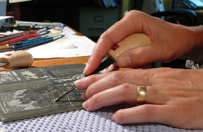 carving a linocut with flexcut carving tools