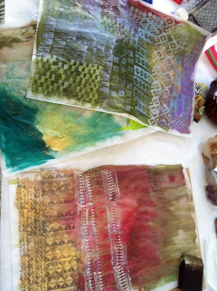 printing patterns on lineco paper with rubber stamps and acrylic paint