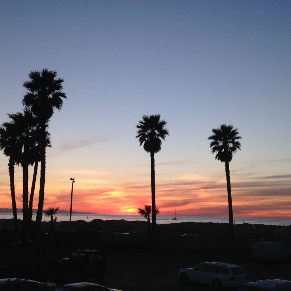 sunset-on-ventura-beach